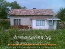 Country house with a huge plot in Pchelarovo - ID 3312